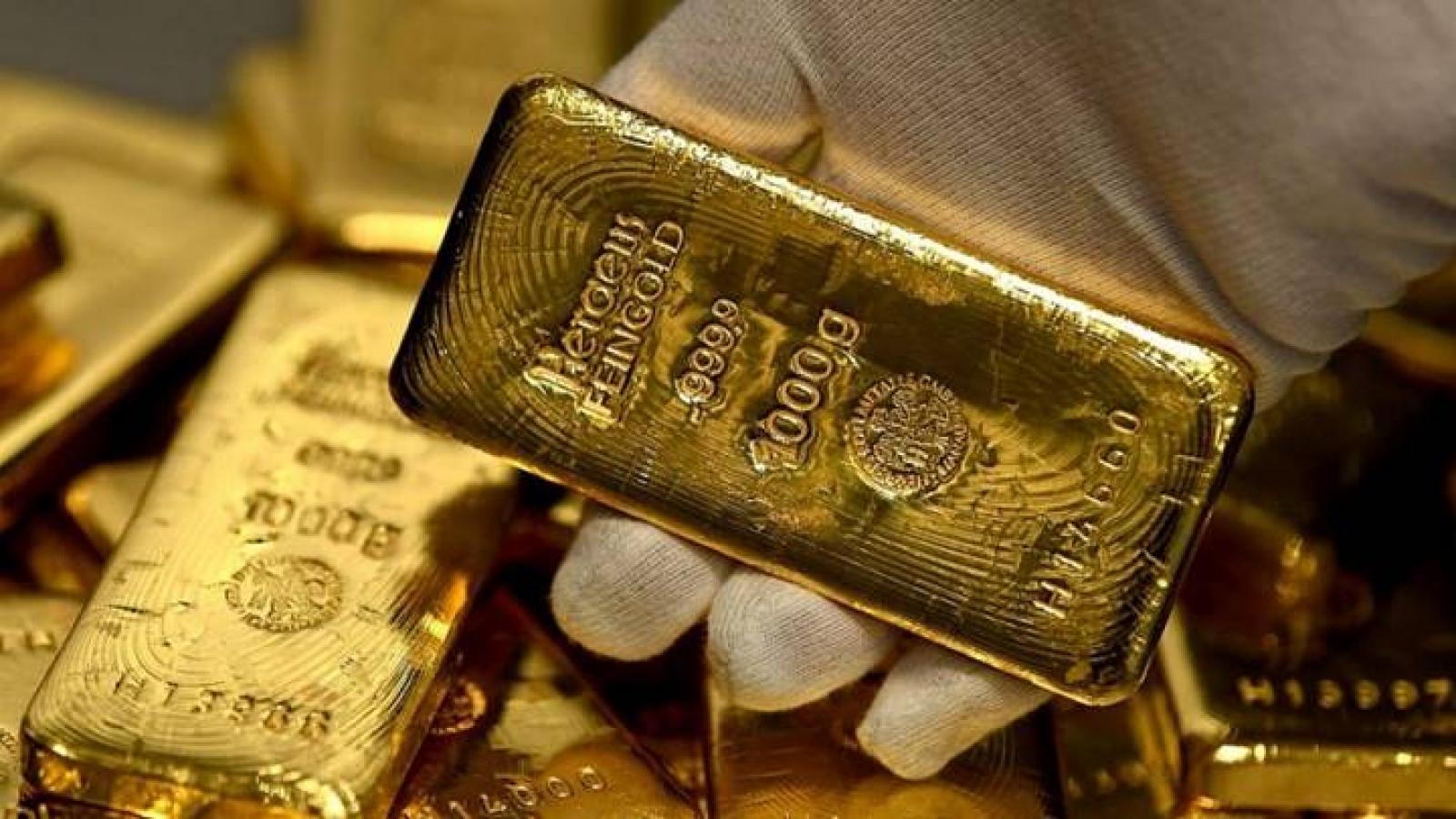 Giá vàng thế giới giảm nhẹ, vàng SJC vẫn trụ ở mức 57 triệu đồng/lượng