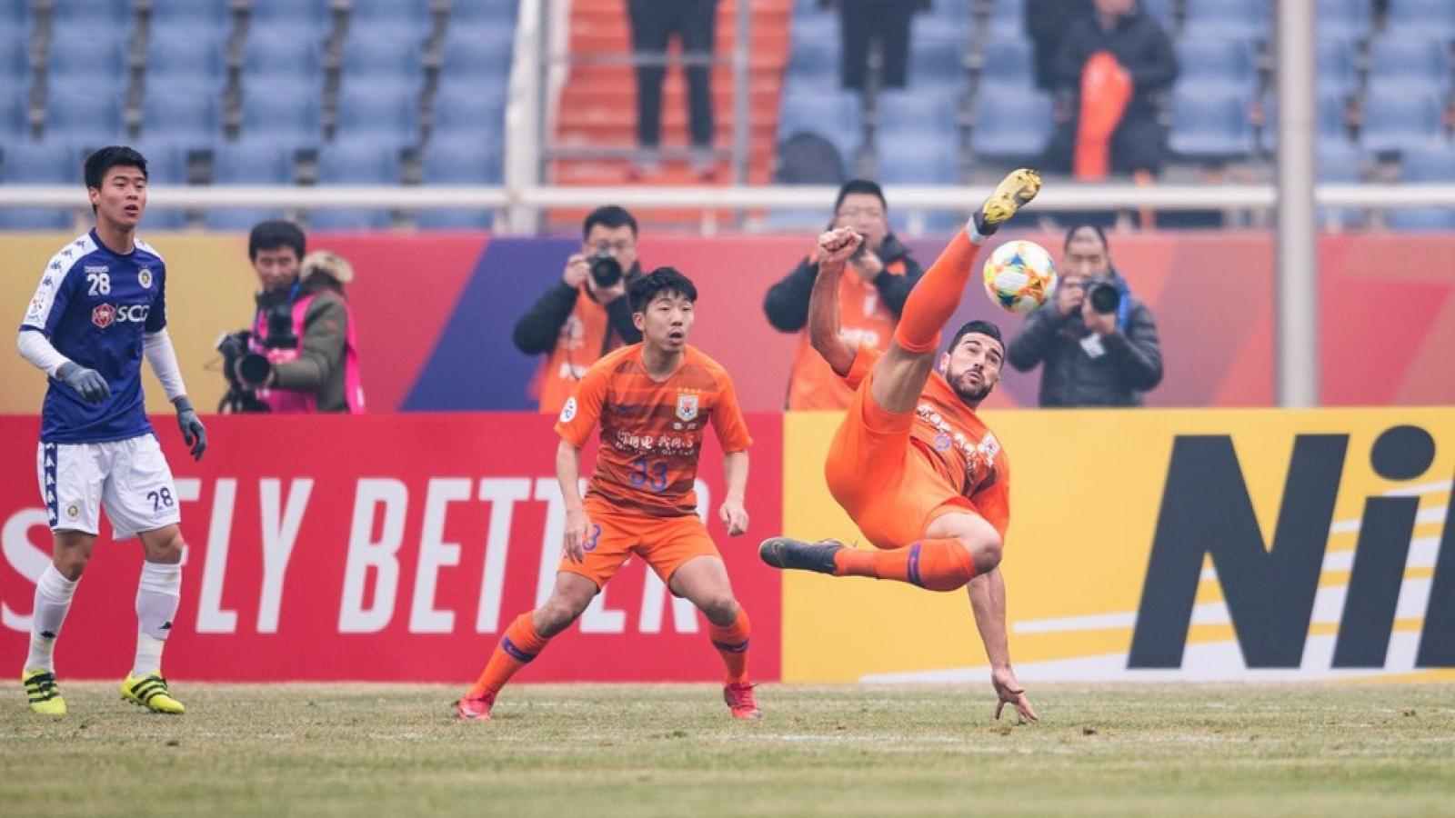 Nợ lương HLV vô địch Bundesliga, CLB Trung Quốc bị cấm thi đấu ở AFC Champions League