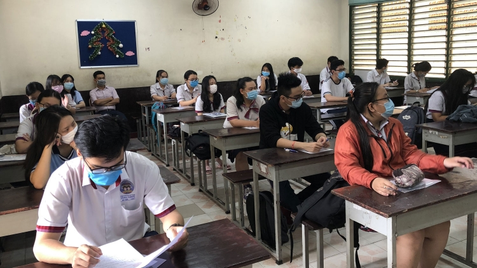 TP HCM yêu cầu toàn bộ học sinh khai báo y tế ngay ngày đầu tiên đi học lại sau Tết