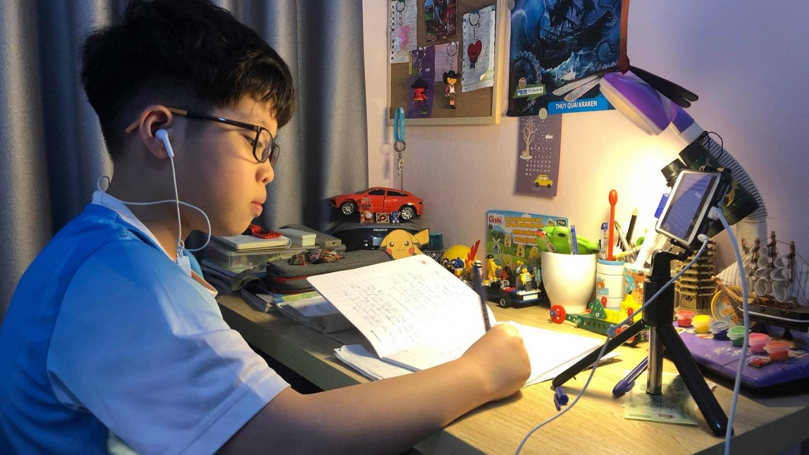 Bộ trưởng Phùng Xuân Nhạ: Cần kịch bản dạy học và thi trong mùa dịch