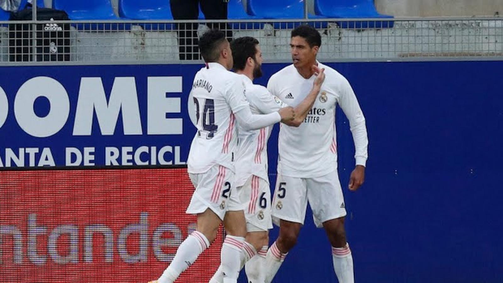 Varane tỏa sáng rực rỡ, Real Madrid ngược dòng kịch tính trước Huesca