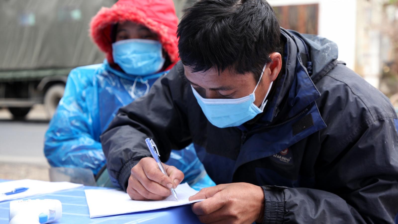 Lai Châu xử phạt thêm 1 bác sĩ khai báo không kịp thời khi từ vùng dịch về