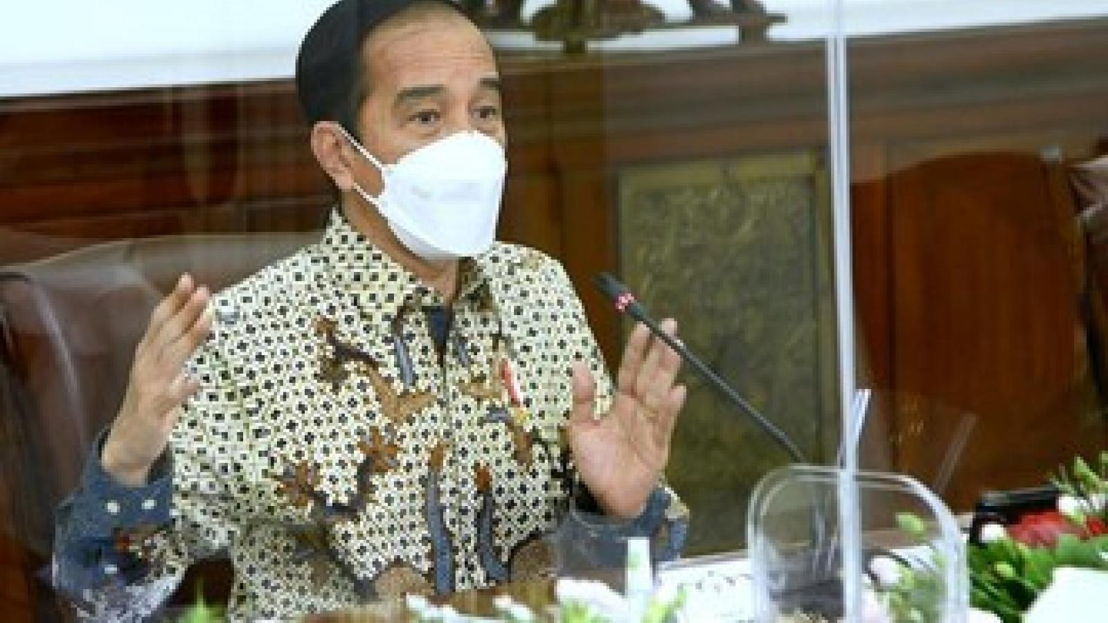 Tổng thống Indonesia thừa nhận biện pháp ngăn chặn Covid-19 không hiệu quả