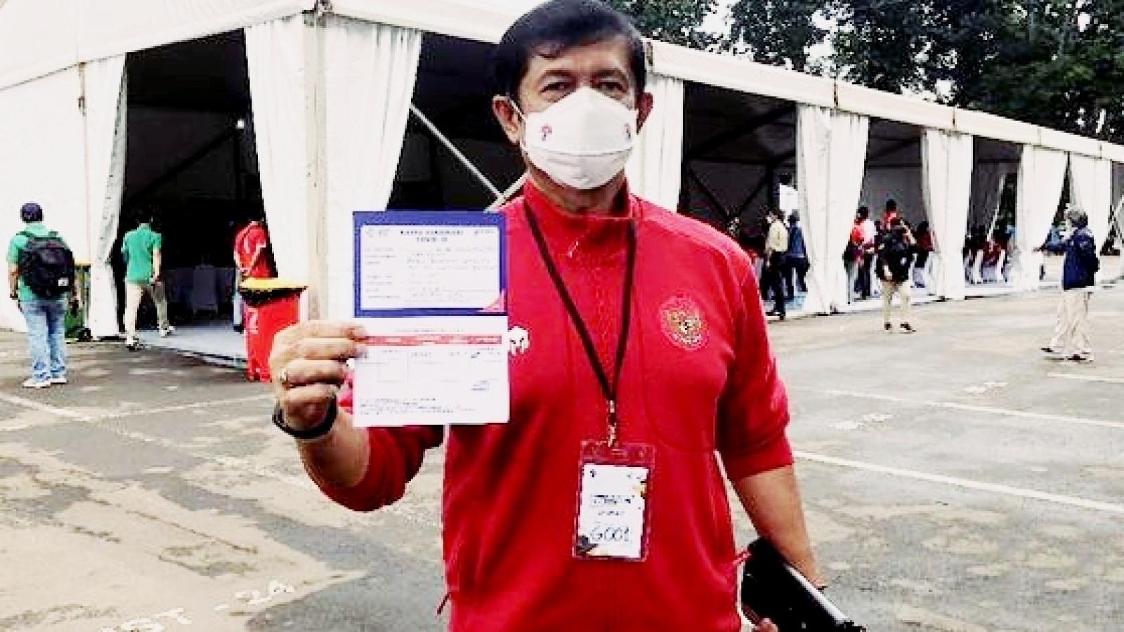Bại tướng của HLV Park Hang Seo được tiêm vaccine Covid-19