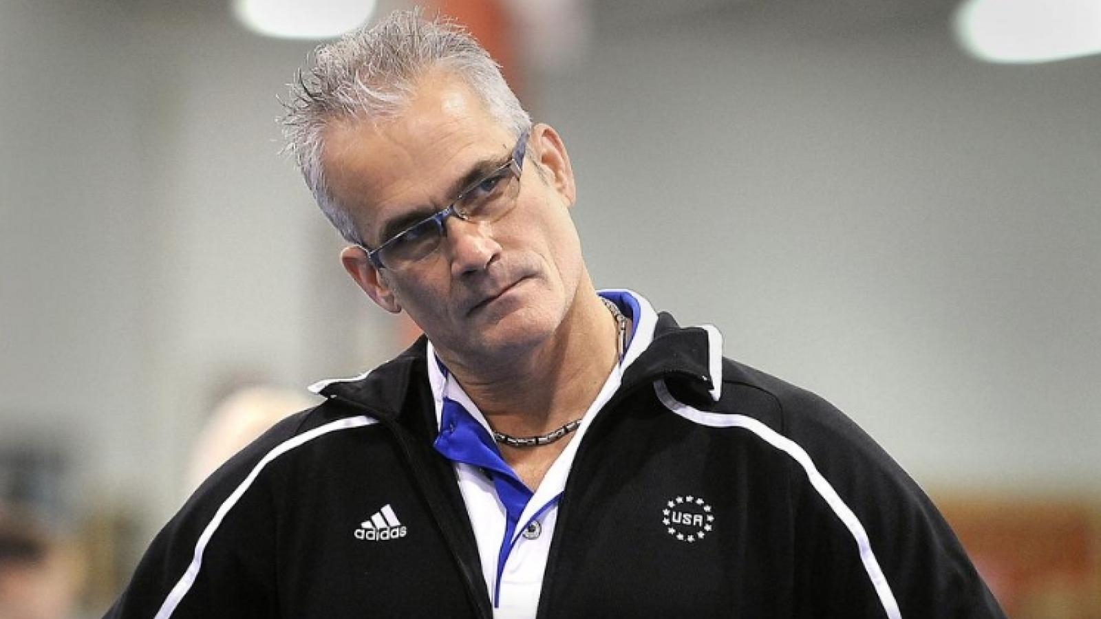 Cựu HLV ĐT Thể dục dụng cụ của Mỹ tự sát sau khi bị buộc tội tấn công tình dục