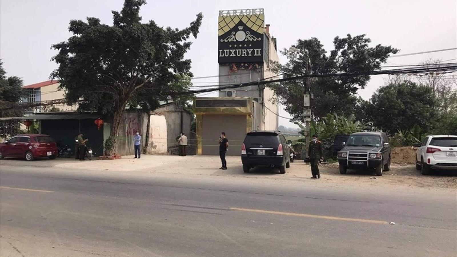 Khởi tố đối tượng đâm 3 người tử vong tại quán karaoke ở Hòa Bình