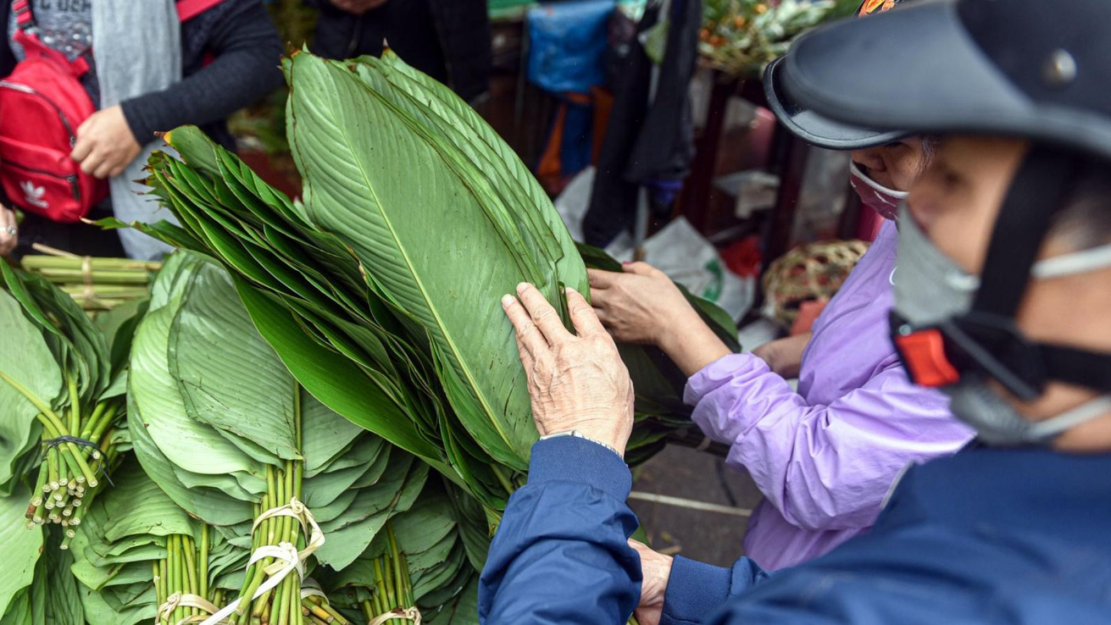 Độc đáo khu chợ ở Hà Nội chỉ mở 1 lần trong năm