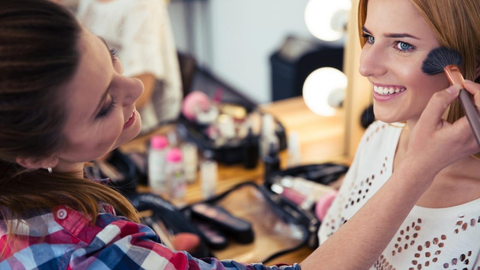 Mách bạn 5 bí quyếtgiúp lớp make-up hoàn hảo đón Tết