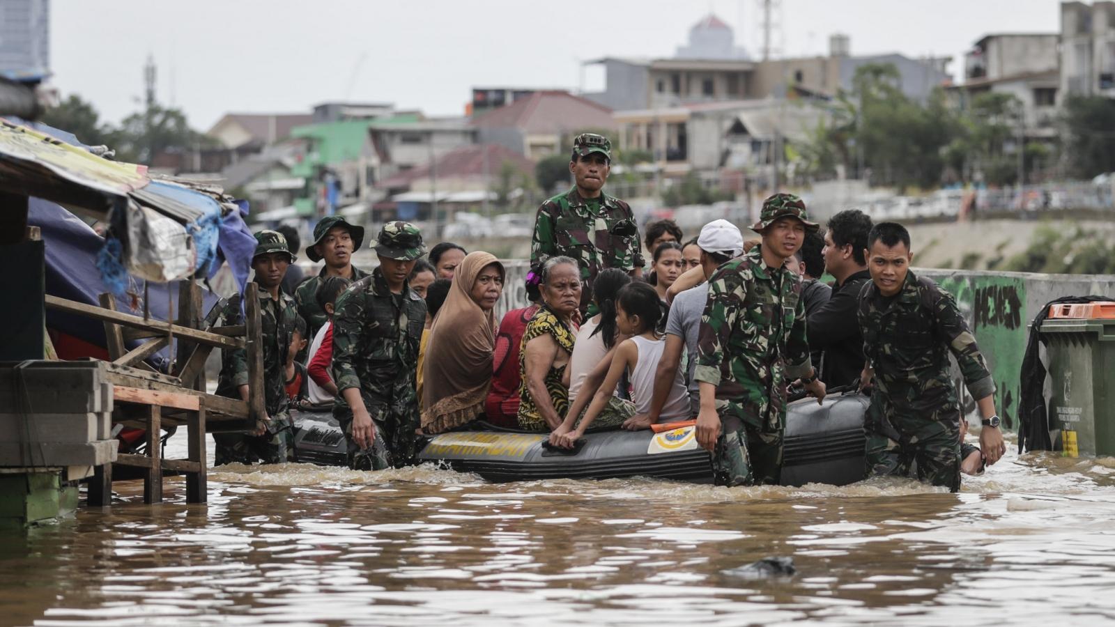 Lũ lụt nặng nề ở vùng thủ đô, hơn 1.000 người dân Indonesia phải sơ tán