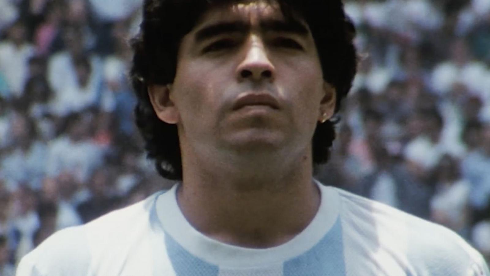 Diego Maradona – Chân dung một cầu thủ vĩ đại và một con người đổ vỡ