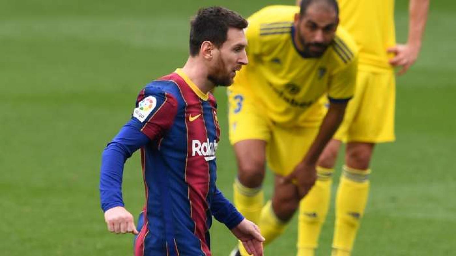Messi tiếp tục ghi tên mình vào ngôi đền huyền thoại của Barca