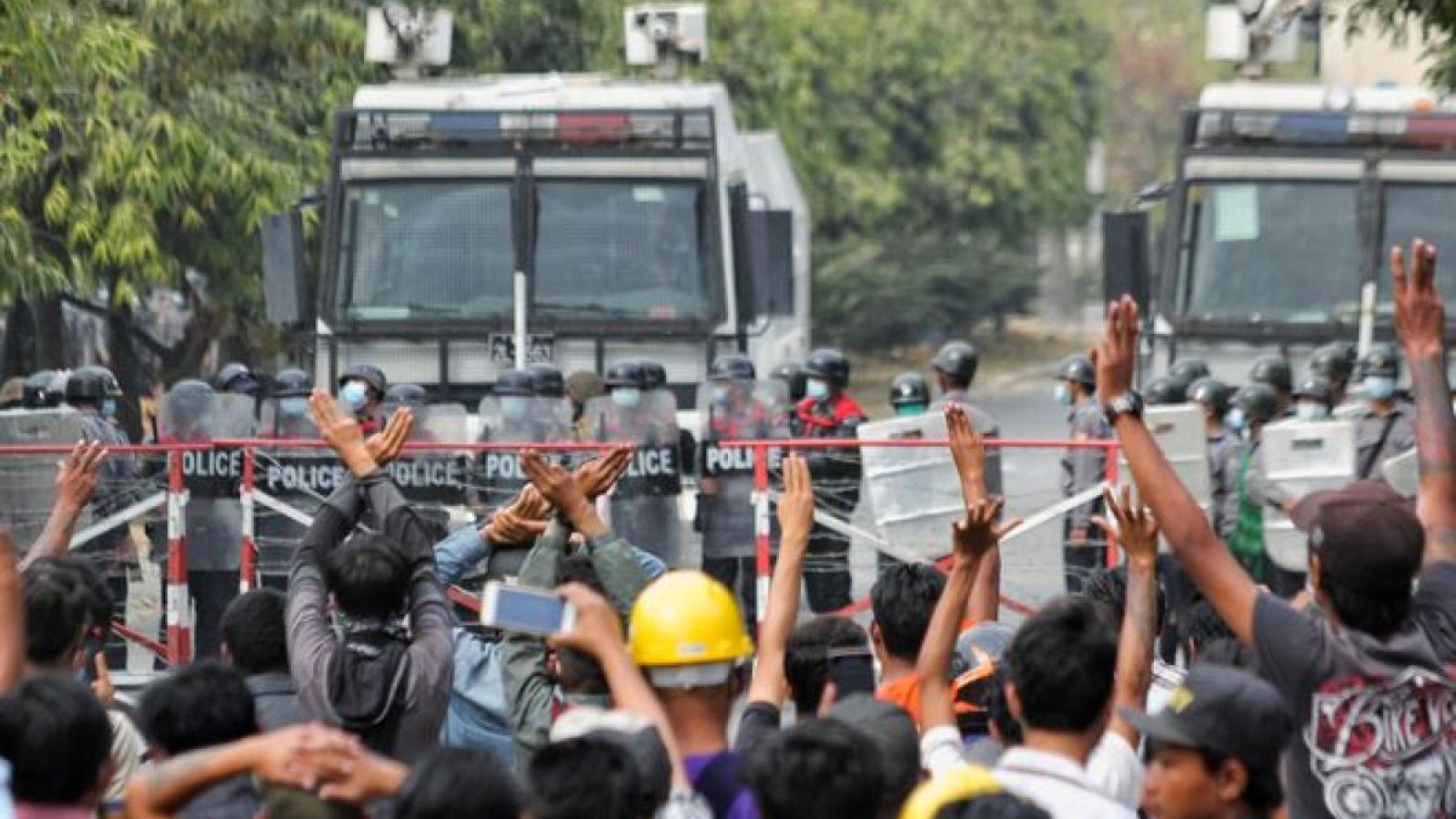 Cảnh sát Thái Lan lo ngại người biểu tình Myanmar vượt biên