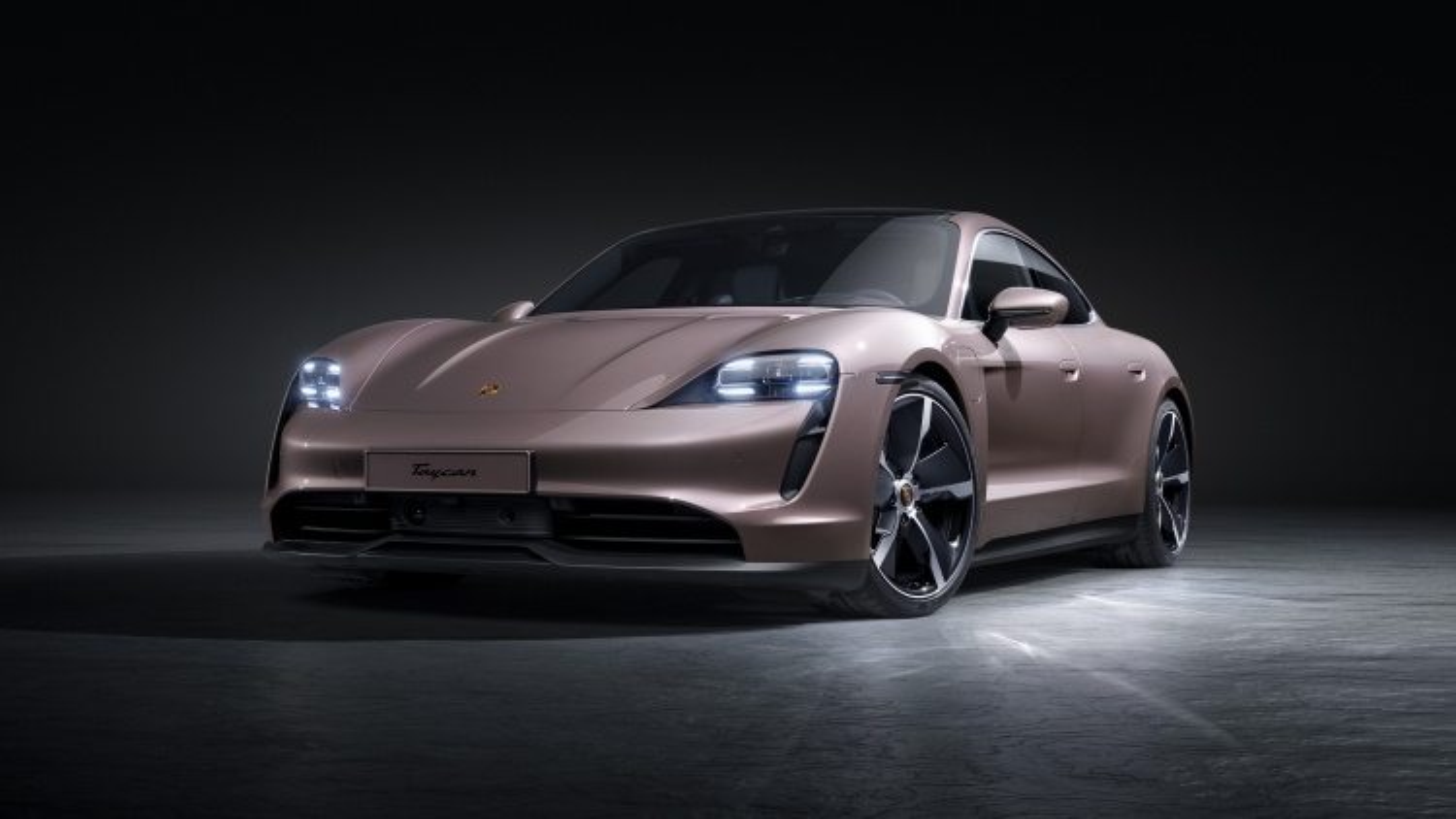 Khám phá Porsche Taycan phiên bản tiêu chuẩn