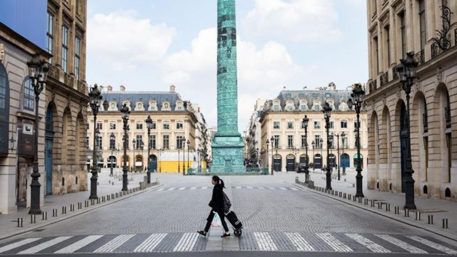 Đề xuất phong tỏa Paris 3 tuần bị chỉ trích nặng nề