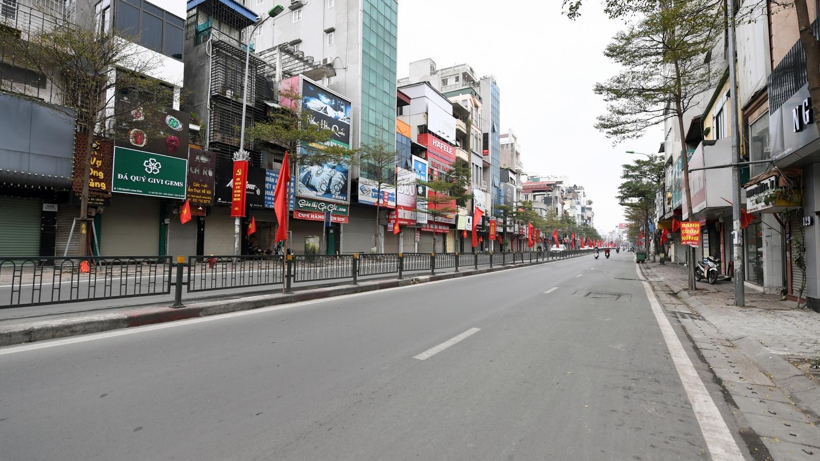 Phố phường sôi động của Hà Nội ngủ yên trong ngày đầu năm mới