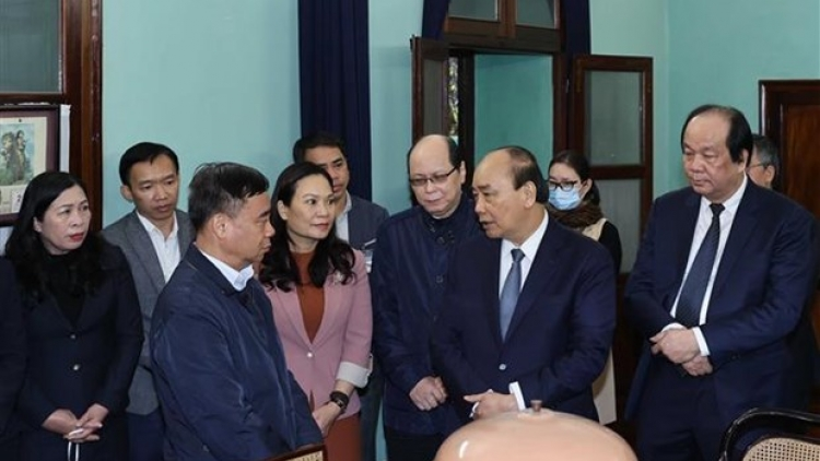 PM pays tribute to late President Ho Chi Minh