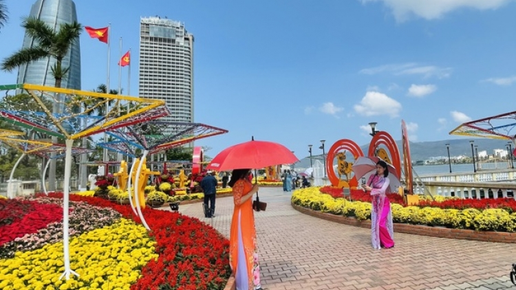 Da Nang welcomes over 30,000 visitors throughout festive period