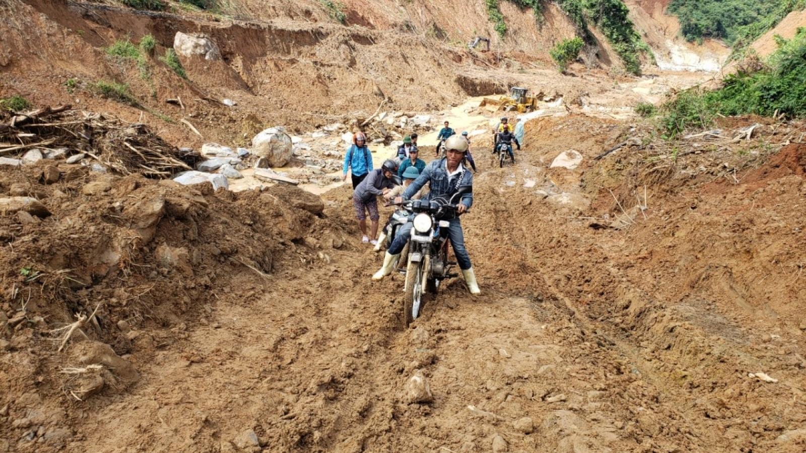 Quảng Nam: Nối lại tìm kiếm 4 người mất tích  do sạt lở đất ở Phước Sơn