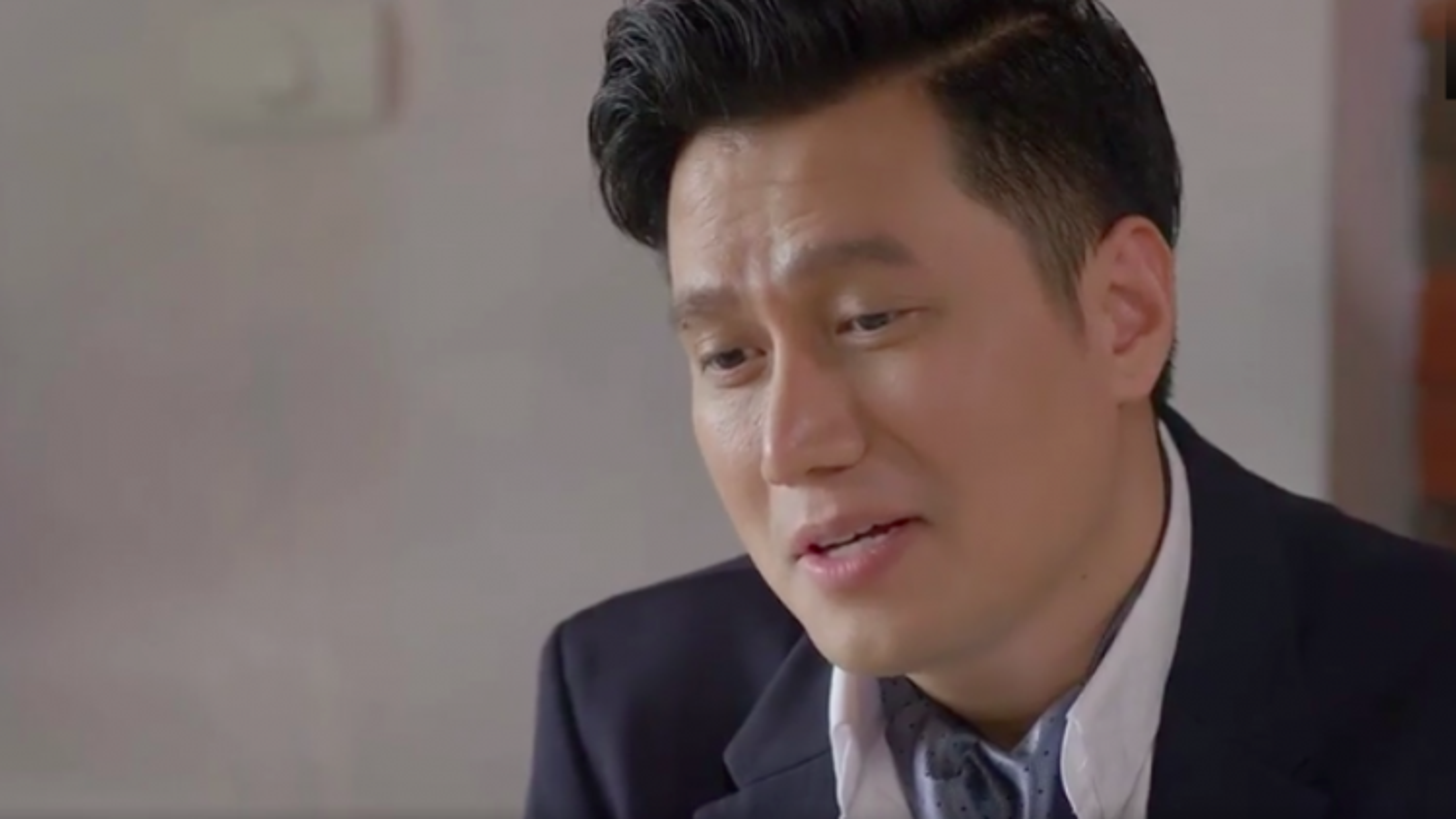"""""""Hướng dương ngược nắng"""" tập 25: Kiên muốn Châu đi khám thai, Hoàng tiếp tục """"tán"""" Minh"""