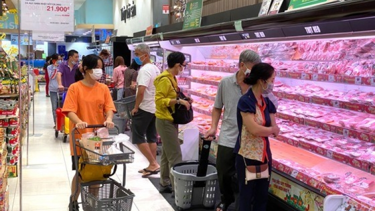 Steady prices of consumer goods, higher sales mark Tet