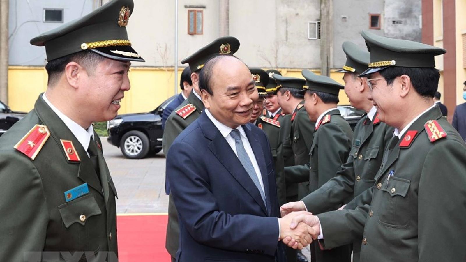 Thủ tướng kiểm tra sẵn sàng chiến đấu, chúc Tết một số đơn vị lực lượng CAND