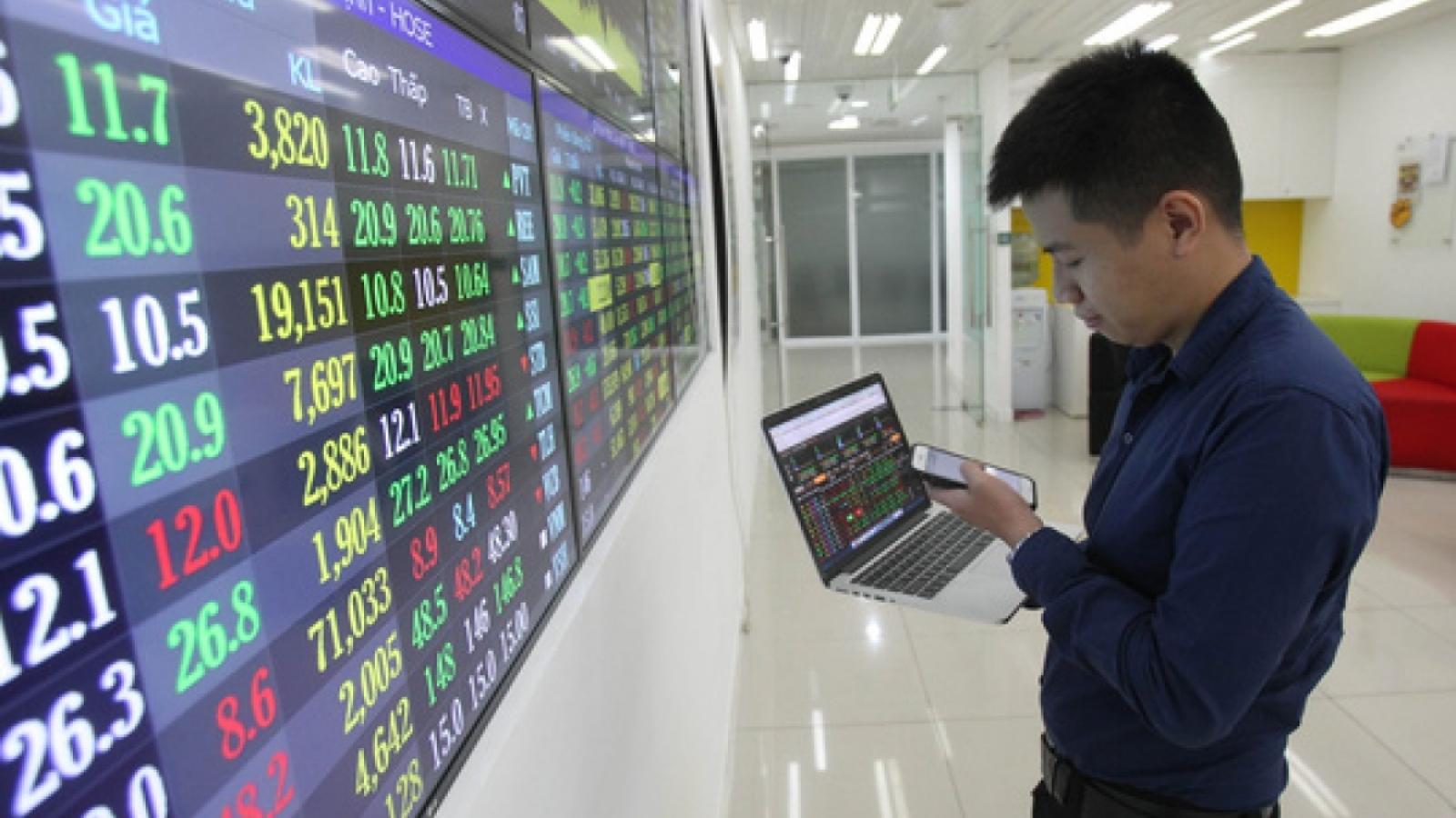 Thị trường chứng khoán khởi sắc, thu hút nhiều vốn đầu tư