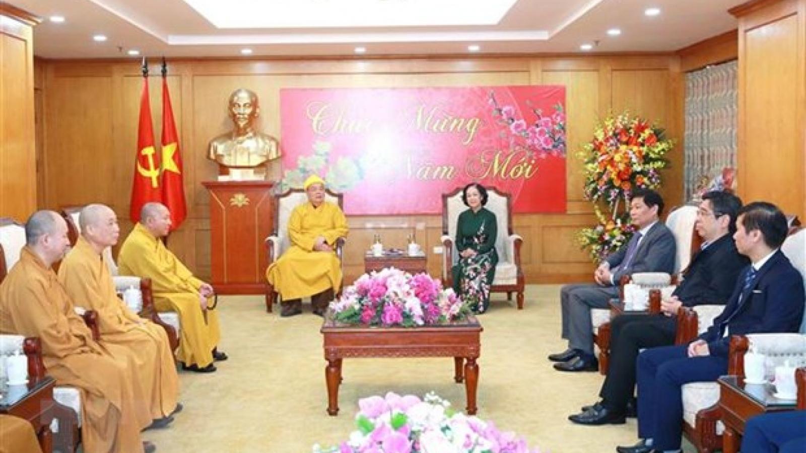 Bà Trương Thi Mai tiếp đoàn đại biểu Công giáo, Phật giáo nhân dịp Tết cổ truyền