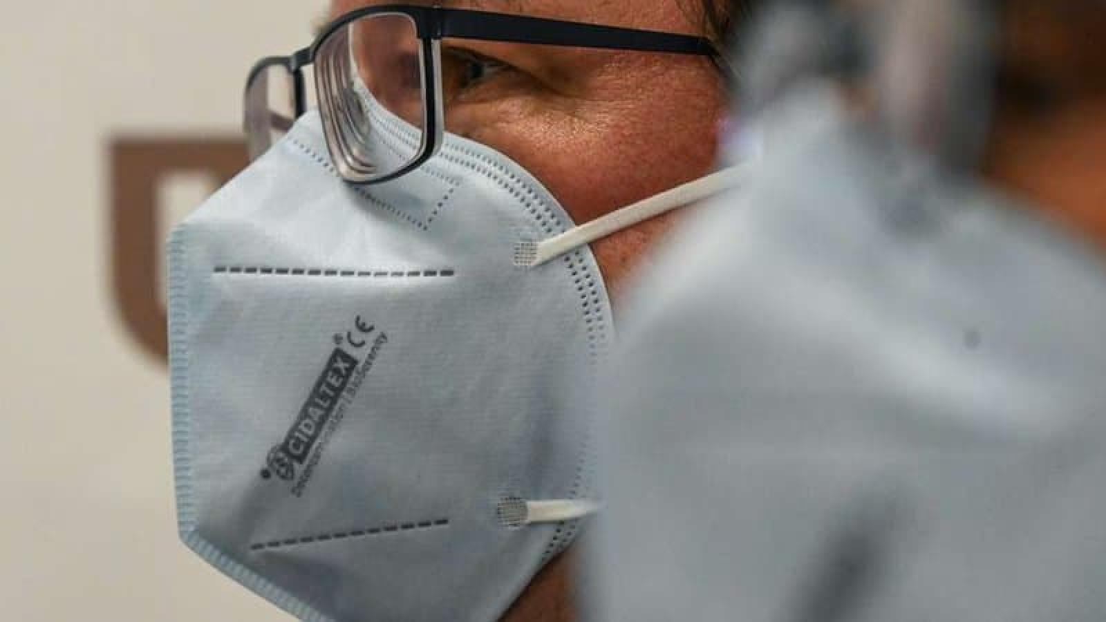 Pháp sản xuất khẩu trang tiêu diệt được các biến thể của virus SARS-CoV-2