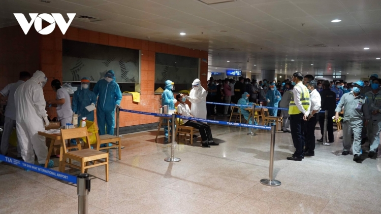 All Noi Bai airport employees test negative for SARS-CoV-2 virus