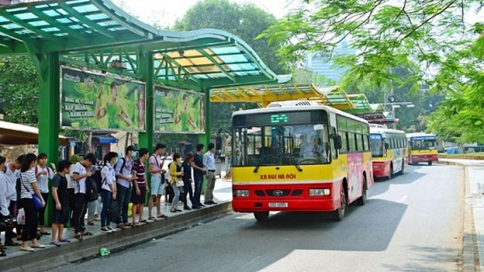"""Hà Nội """"tháo"""" giãn cách trên các phương tiện vận tải hành khách công cộng"""
