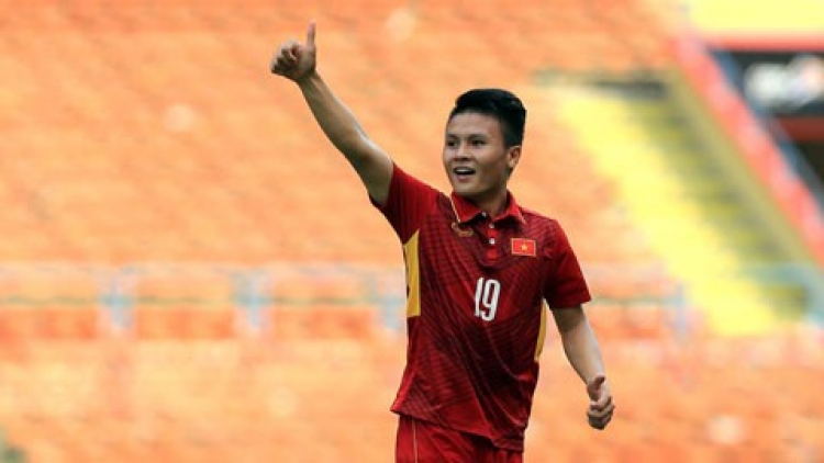 Quang Hai voted as best midfielder in AFC Cup history
