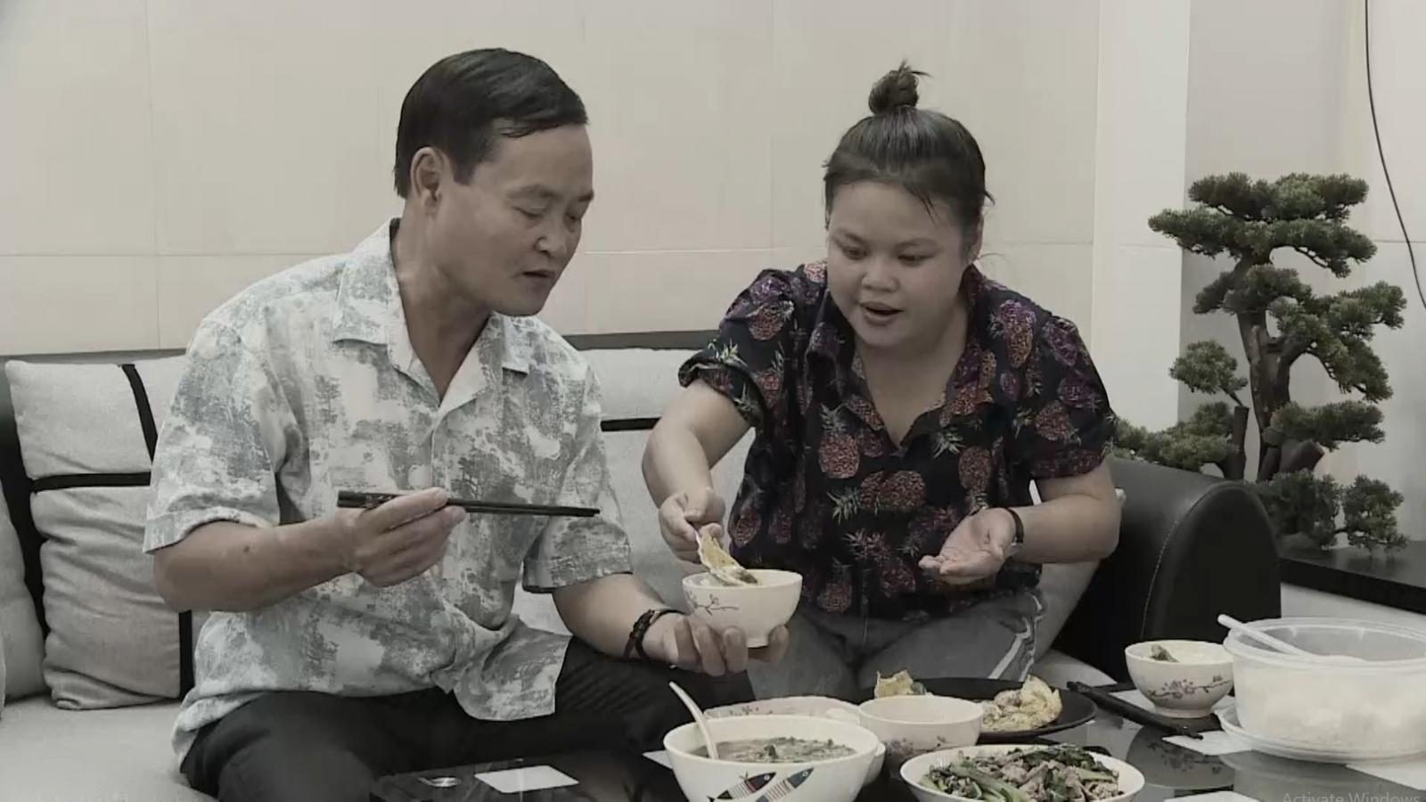Diễn viên Ngọc Hoa tiết lộ về tuổi thơ không mẹ, từng sợ ba đến mức không dám về nhà