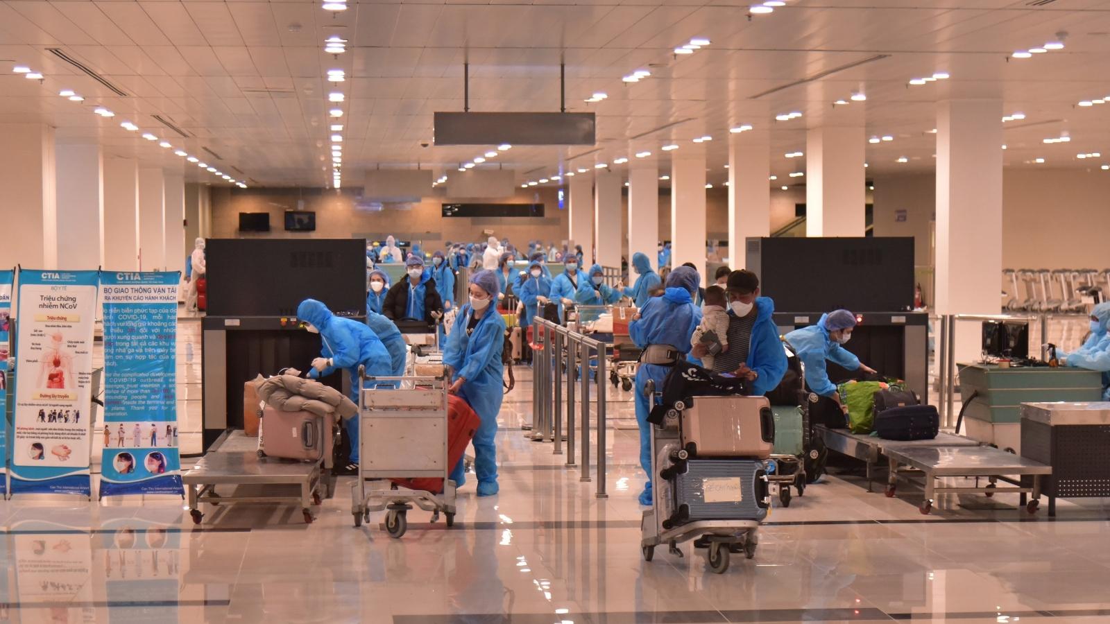 Hơn 340 công dân Việt Nam từ Hàn Quốc về nước cách ly tại Bạc Liêu