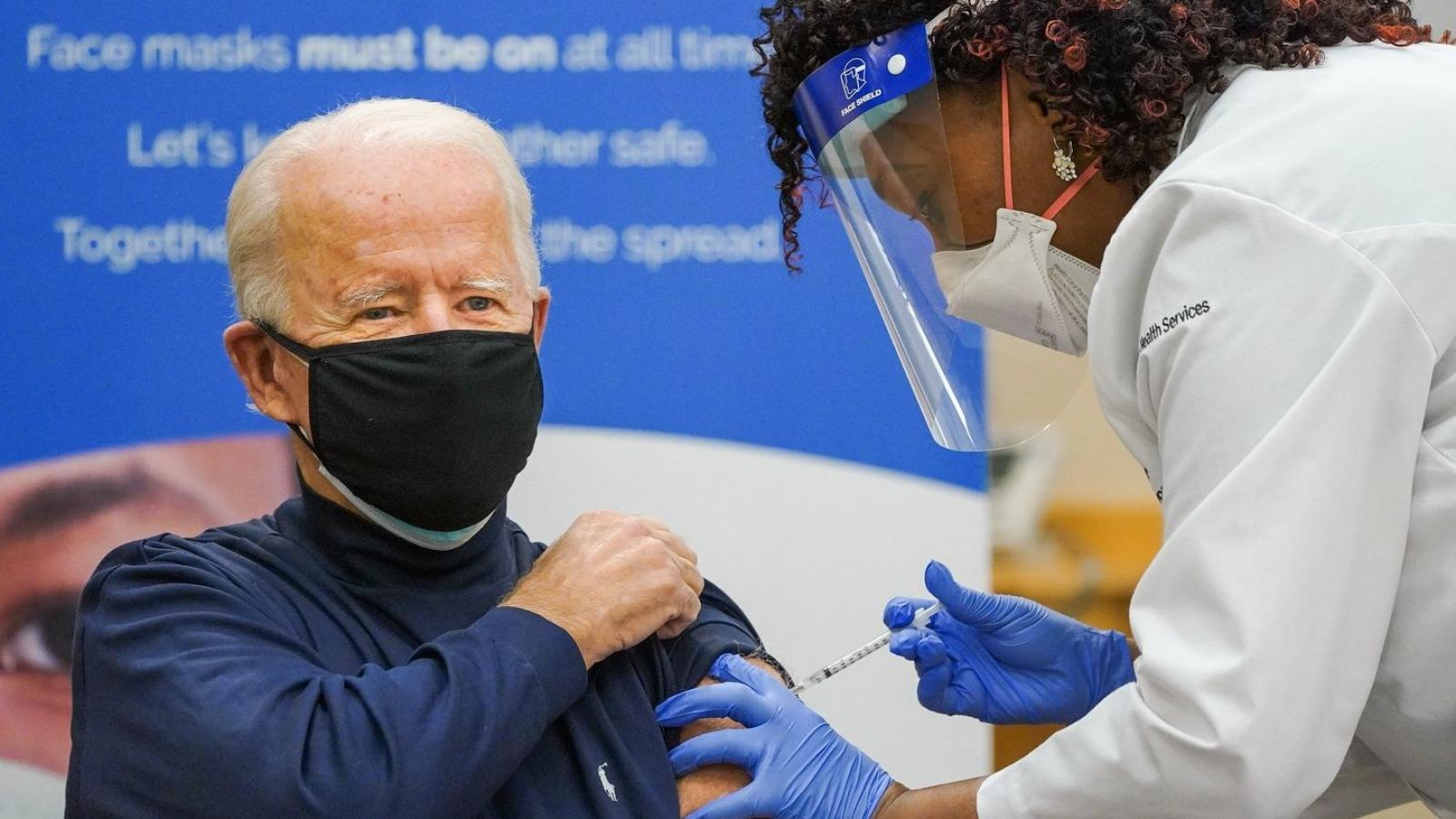 Khoảng 60% người cao tuổi ở Mỹ đã được tiêm ít nhất một liều vaccine ngừa Covid-19