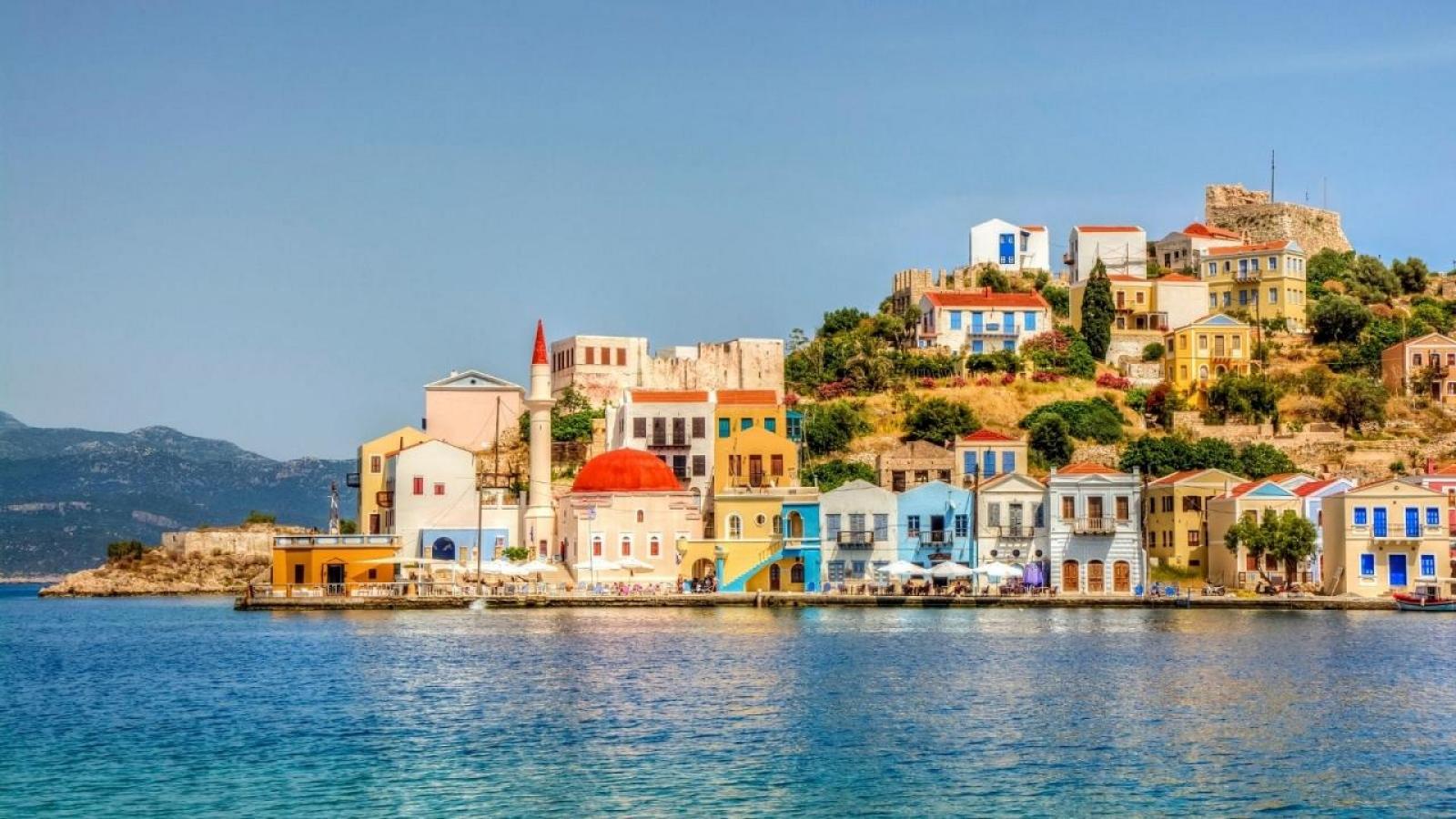"""Hòn đảo """"không-Covid"""" trở thành nơi an toàn nhất để du lịch tại châu Âu"""
