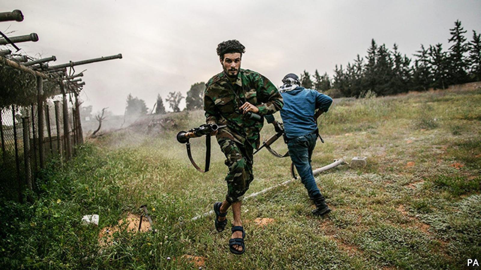 """Dấu mốc 10 năm NATO can dự vào Libya và sự rút lui trong """"ngổn ngang, chia rẽ"""""""