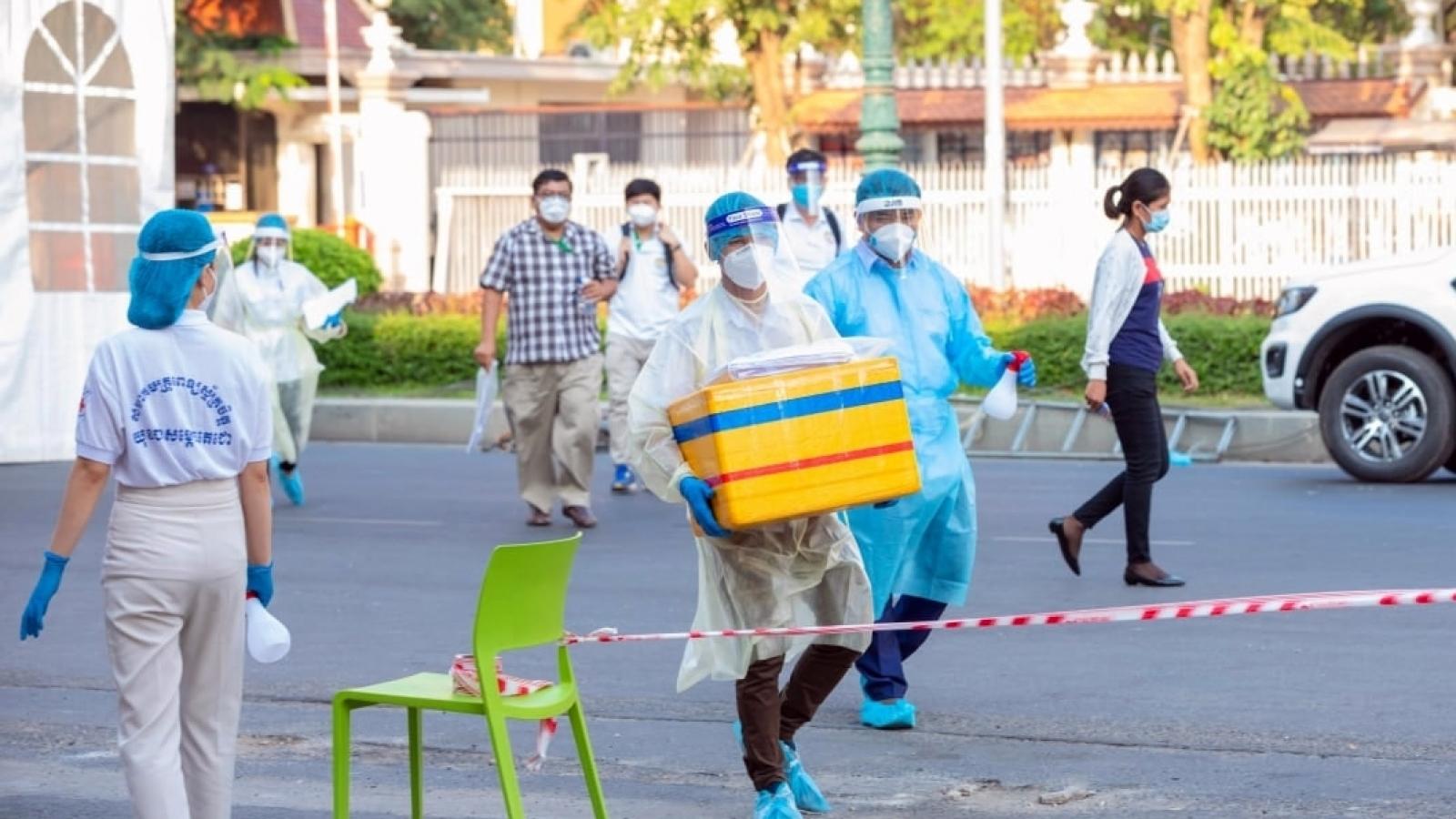 Campuchia: Số ca lây nhiễm Covid-19 trong cộng đồng gia tăng, thêm 1 ca tử vong