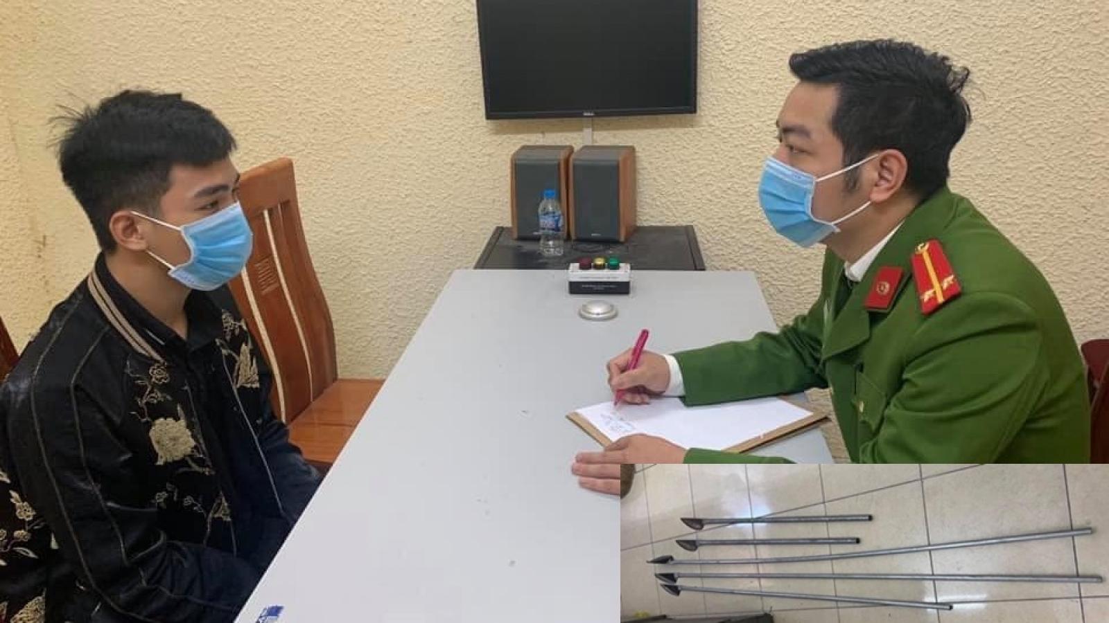 """Khởi tố nhóm đối tượng cầm hung khí hẹn nhau """"hỗn chiến"""" trong đêm tại Hà Nội"""