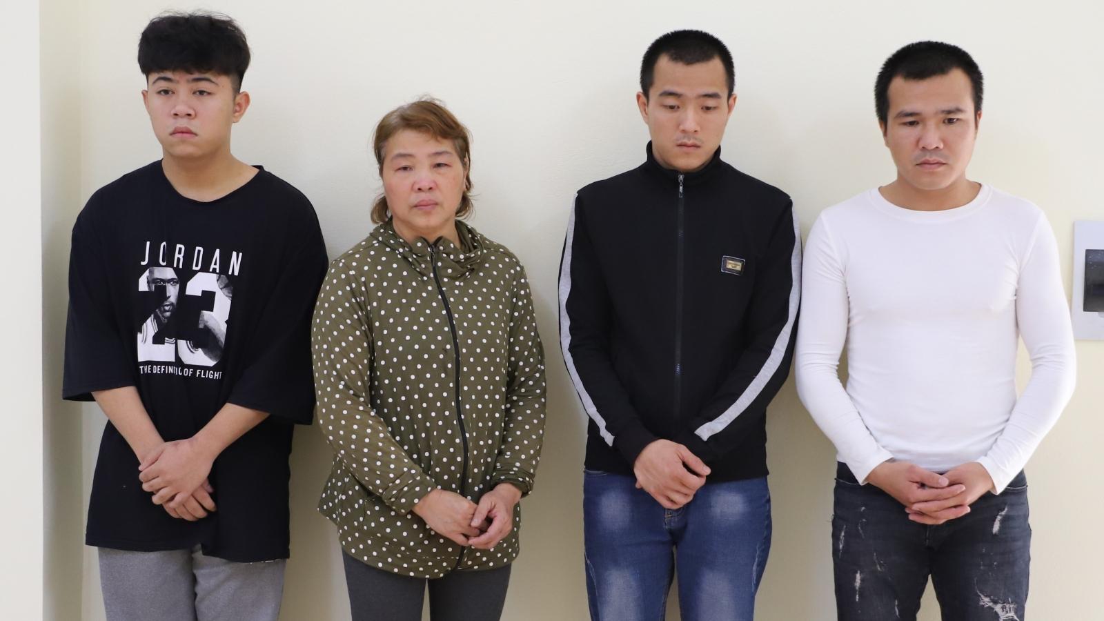 """Một gia đình 4 người bị khởi tố về tội """"Chống người thi hành công vụ"""""""