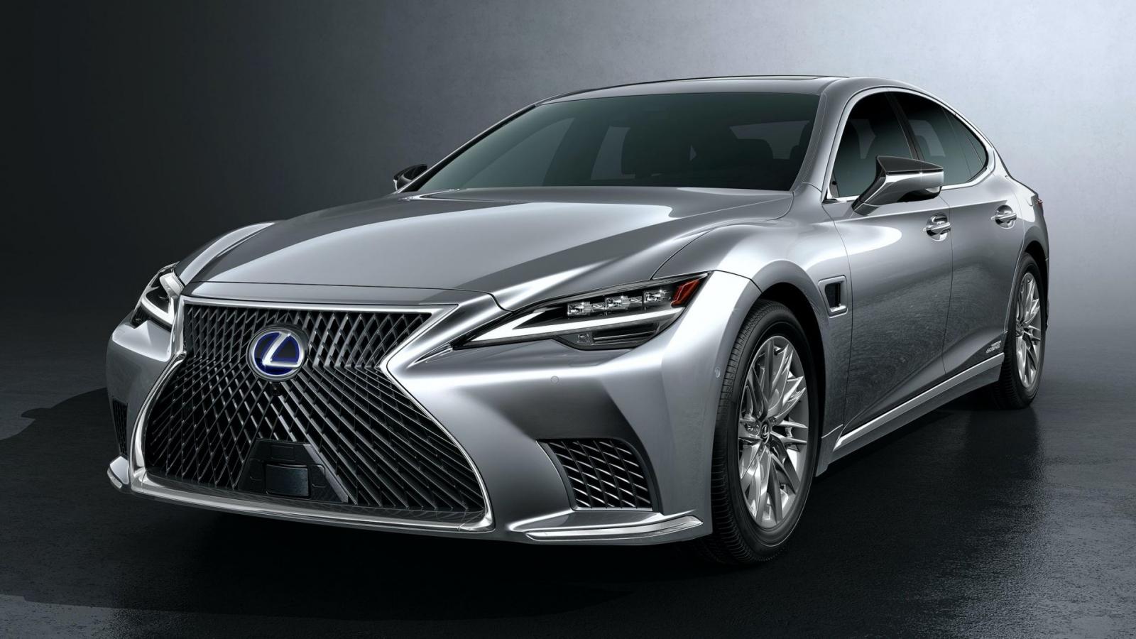 Lexus LS 500h hybrid 2021 tăng giá hơn 10.000 USD