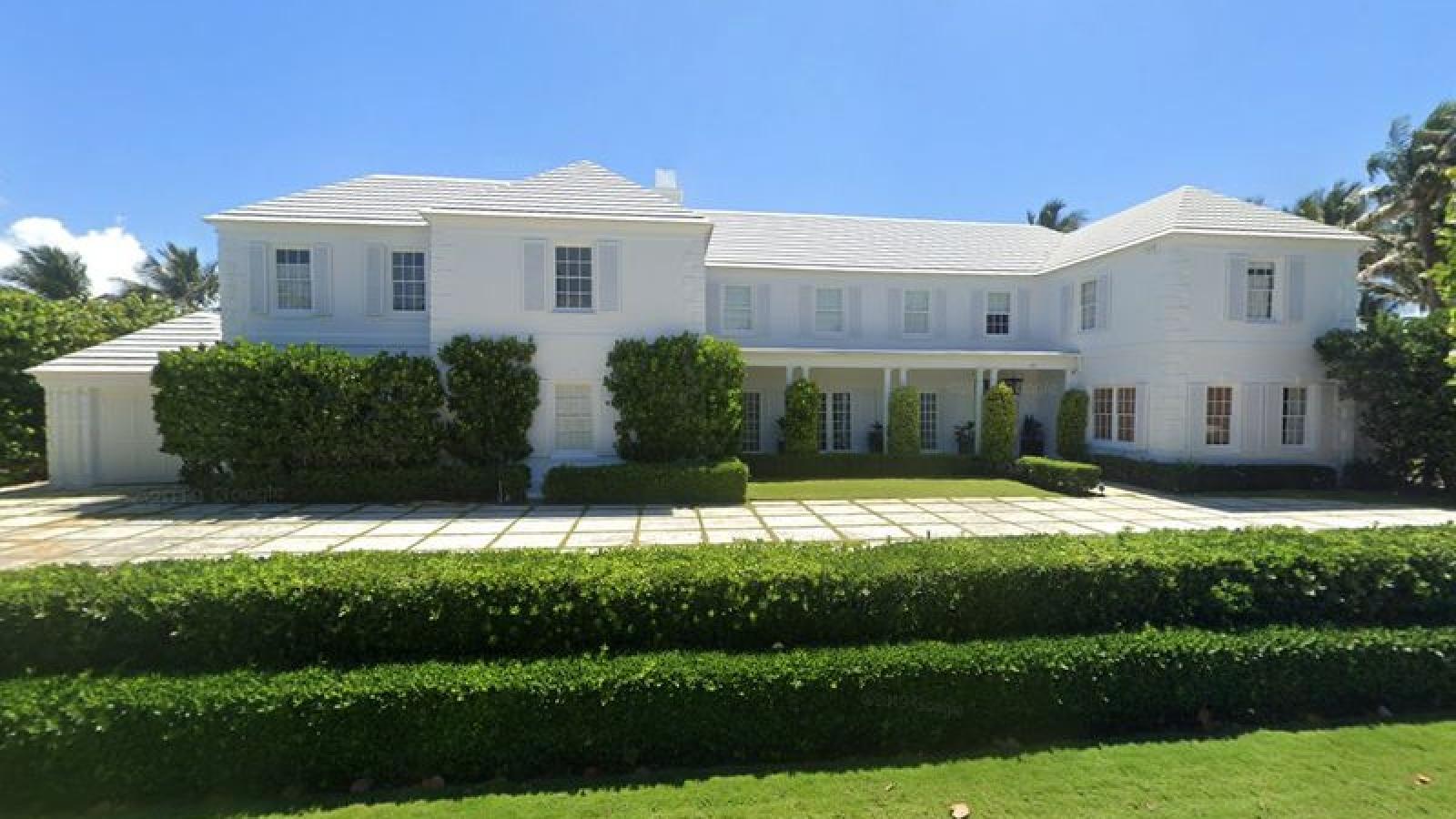 Dinh thự tráng lệ của gia đình ông Trump được rao bán với giá 49 triệu USD