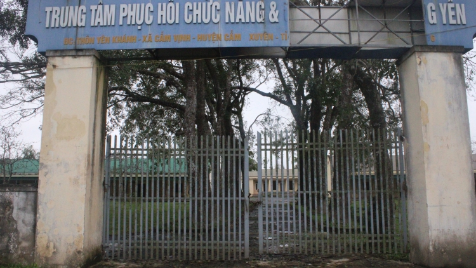 """Trung tâm chữa bệnh cuả """"thần y"""" Võ Hoàng Yên: Bỏ hoang, biến thành nơi chăn thả gia súc"""