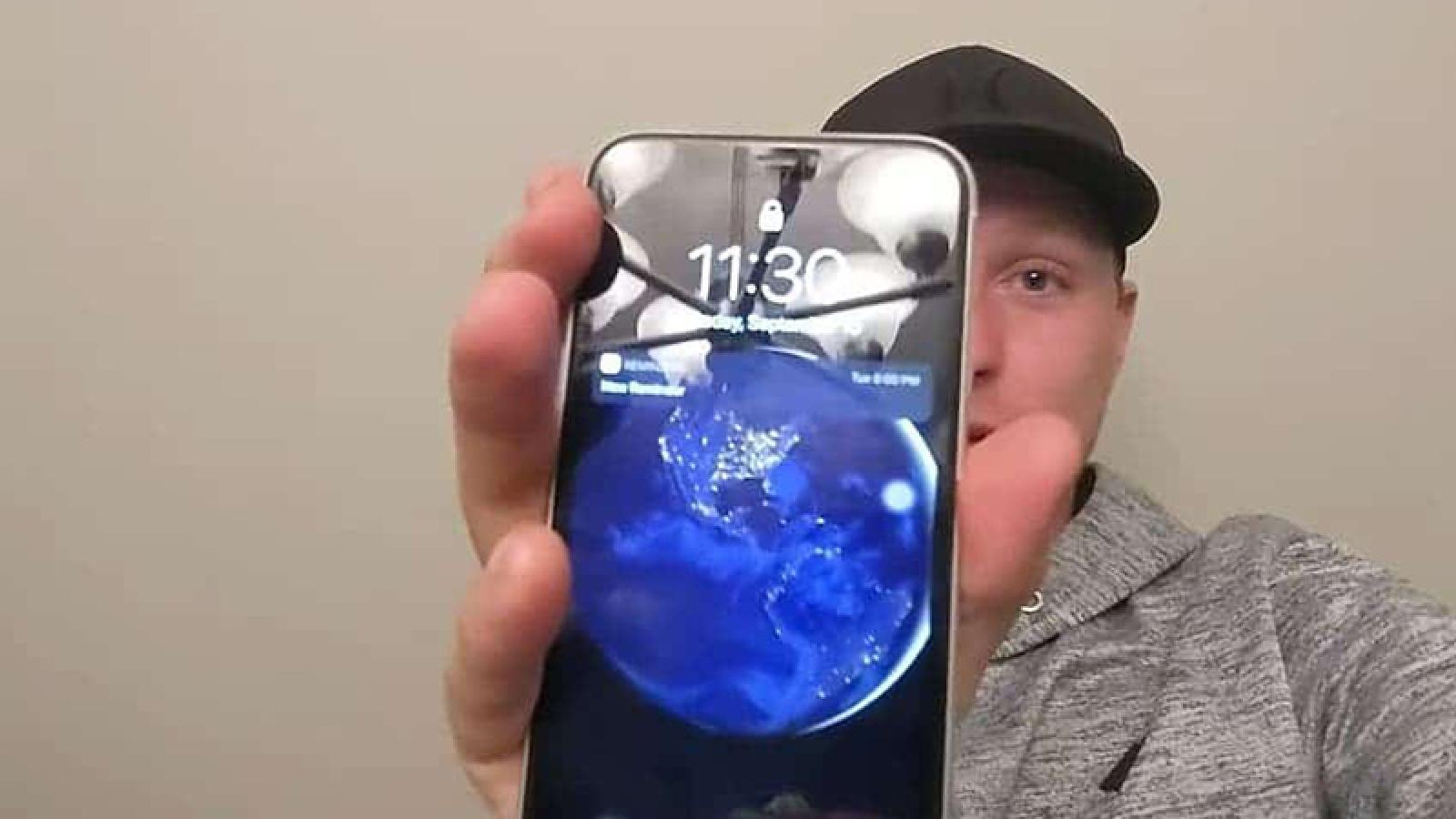 iPhone 11 vẫn hoạt động tốt sau 6 tháng dưới hồ nước