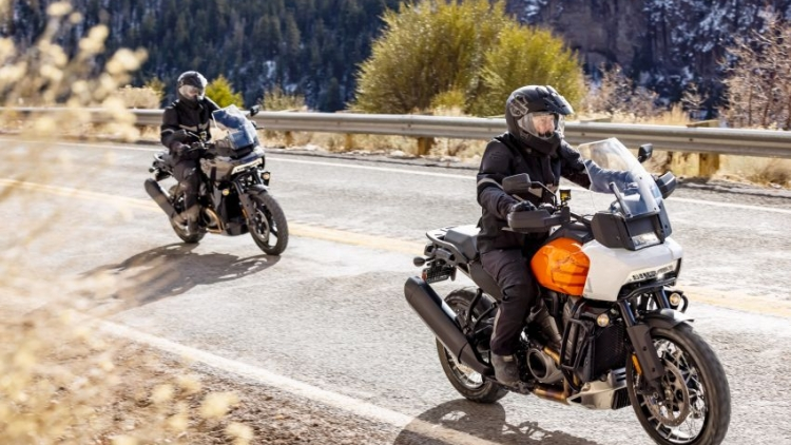 Harley-Davidson Pan Ameriaca 1250 2021 chính thức được ra mắt