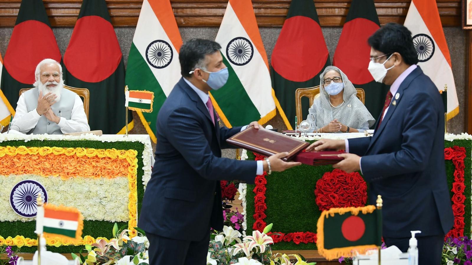 Ấn Độ và Bangladesh ký 5 thỏa thuận hợp tác song phương