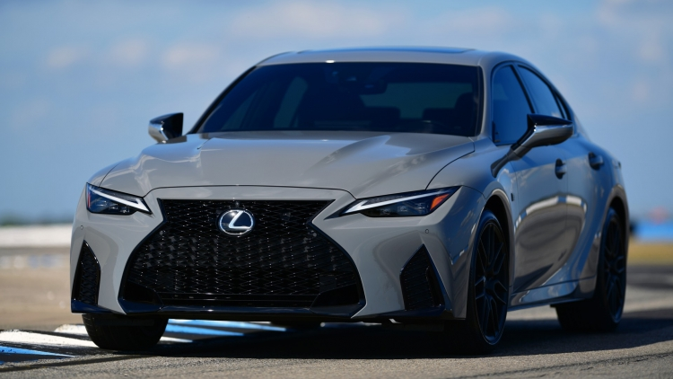 Ra mắt Lexus IS 500 F Sport Performance Launch Edition 2022