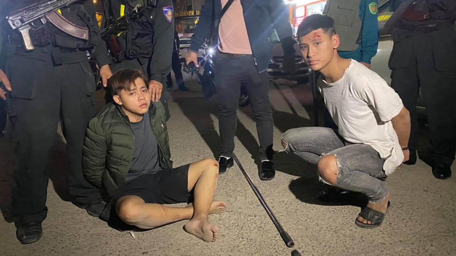 Nổ súng truy bắt nhóm học sinh mang hung khí chém nhau
