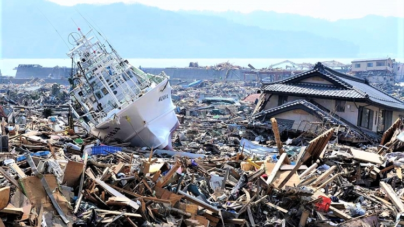 Nhìn lại 10 năm thảm họa kép động đất - sóng thần ở Nhật Bản