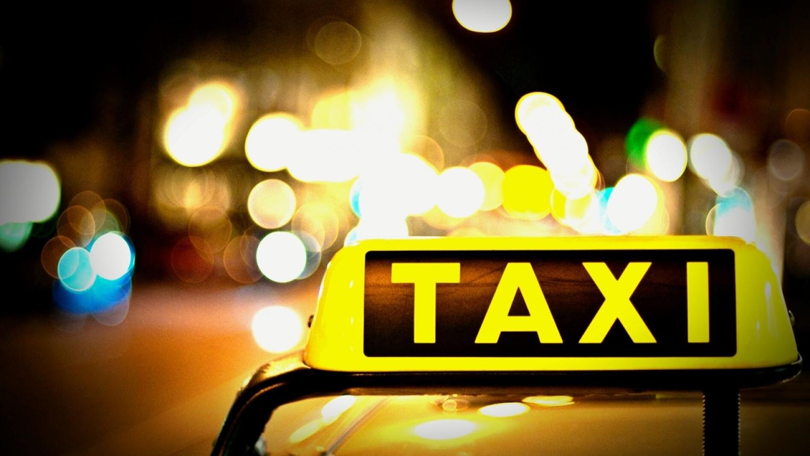 Đâm chết người trên xe taxi tại Cà Mau