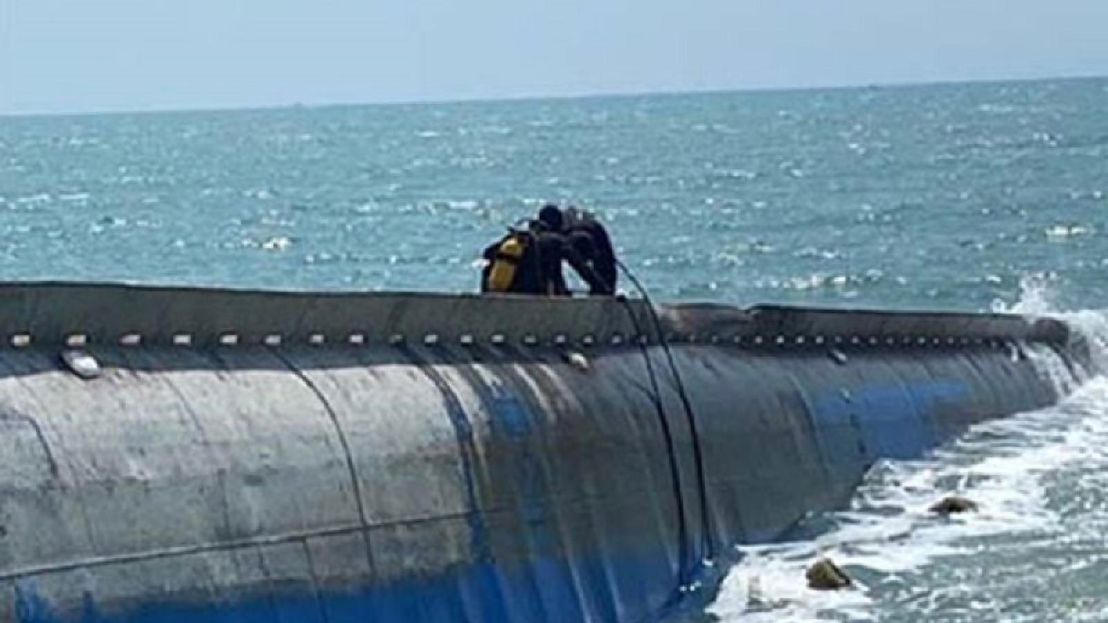 Khẩn trương xây dựng phương án trục vớt tàu chìm trên vùng biển Mũi Né